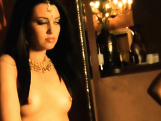 Indian Scandal Bollywood Nude Actress asian brunette erotic