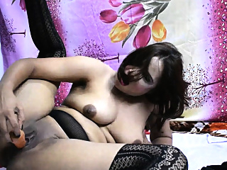 Sexy Indian Bhabhi Fucking Pussy Using Vegetables As Dildo amateur hd indian