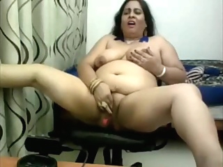Webcam Indian Aunty dildo amateur arab bbw
