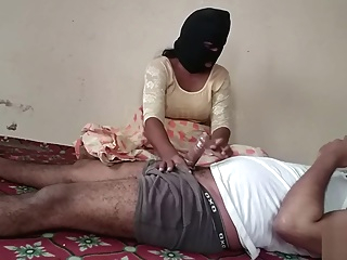 Desi Randi Indian Bhabhi Couple Sex In saree. asian big tits blonde